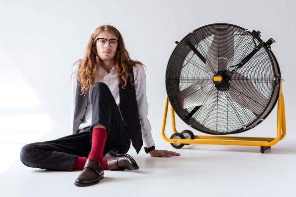 מאוורר רצפתי ענק עם גלגלים להשכרה או מכירה