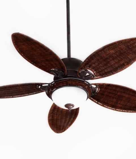 מאוורר תקרה עם כנפיים מעוצבות